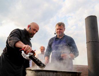 Игорь Бабушкин сварил для всех астраханцев уху