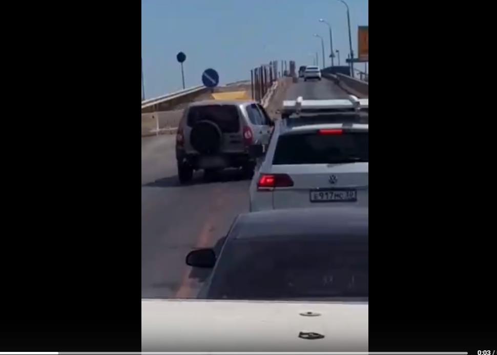 На мосту через р.Белый Ильмень водители нагло нарушают правила