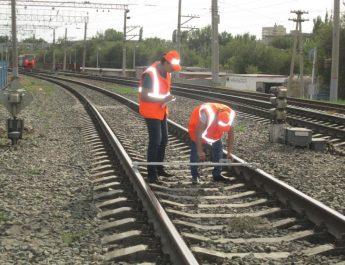 Астраханские железнодорожники усилили меры по обеспечению безопасности движения поездов