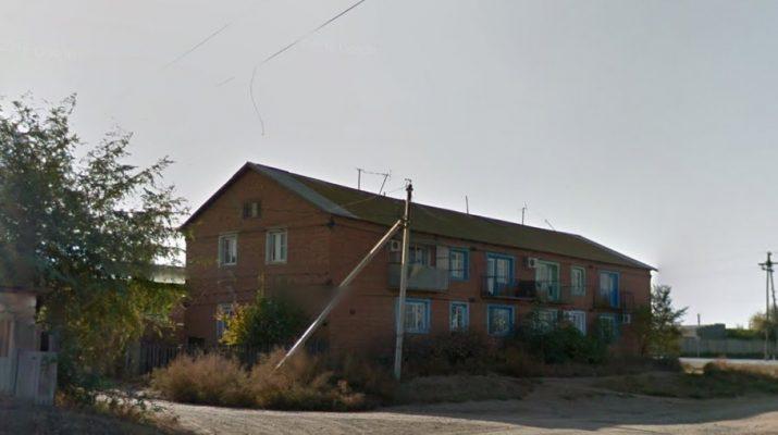 Под Астраханью в жилом доме обрушился балкон