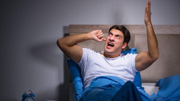 За шум в жилых домах после 11 вечера накажут штрафом в 150 тысяч