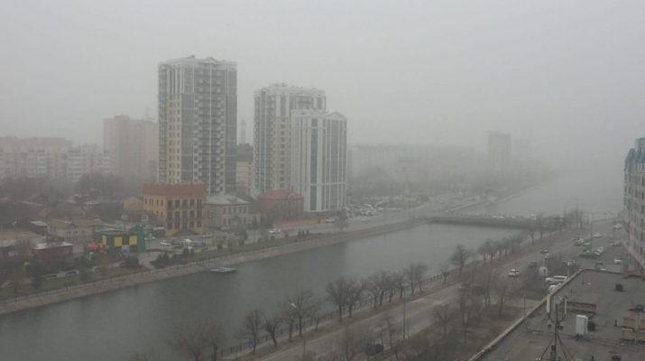 Причиной смога в Астрахани стали песчаные бури