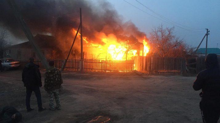 В Яксатово сгорел дом
