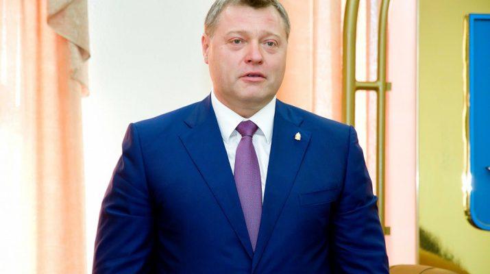 Игорь Бабушкин улыбается