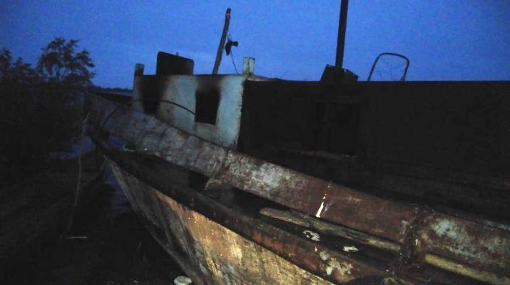 Маломерное судно пожар