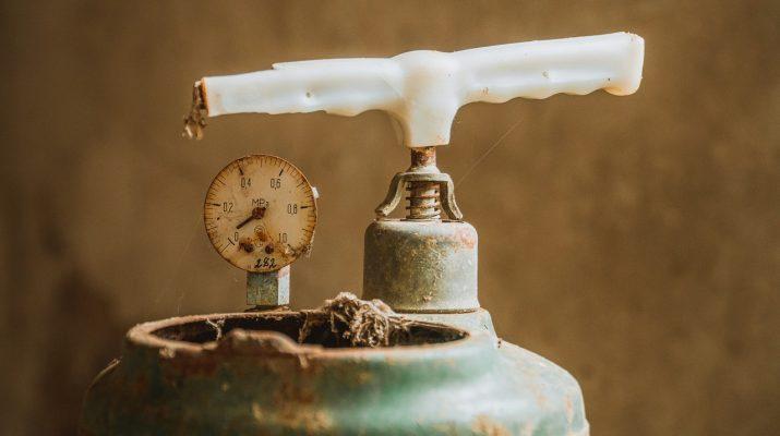 Астраханские приставы не допустили чрезвычайной ситуации с газом