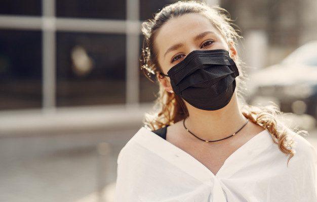 Пришла жара. Какие медицинские маски лучше носить?