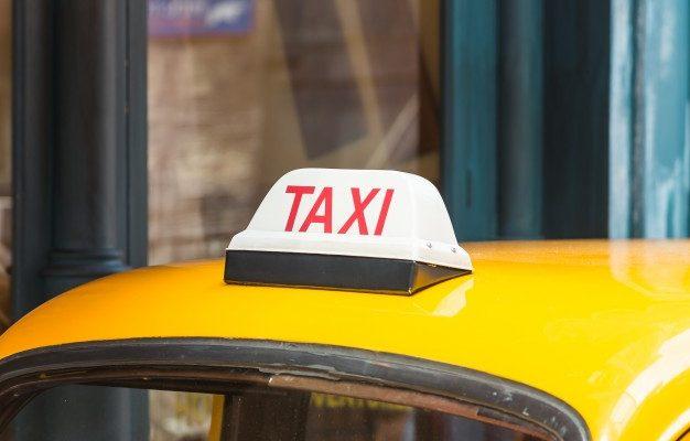 Астраханец вызвал такси, чтобы вывезти ограбленные вещи