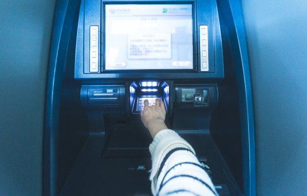 Астраханец насмотрелся видео в YouTube и решил ограбить банкомат