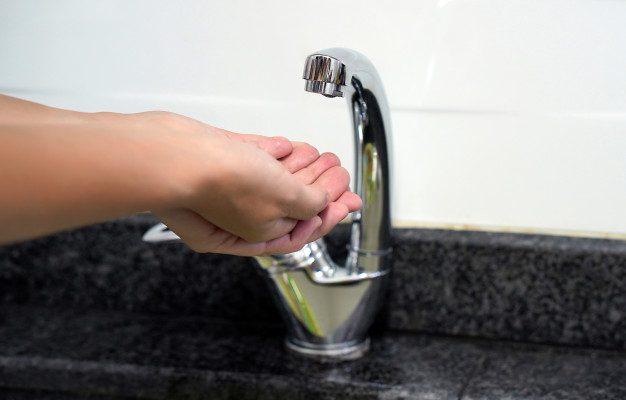 В многих районах Астрахани отключат горячую воду