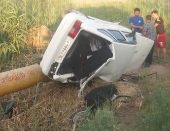 В Астраханской области перевернулся автомобиль