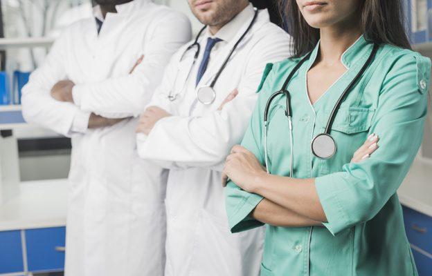жалуются на врачей