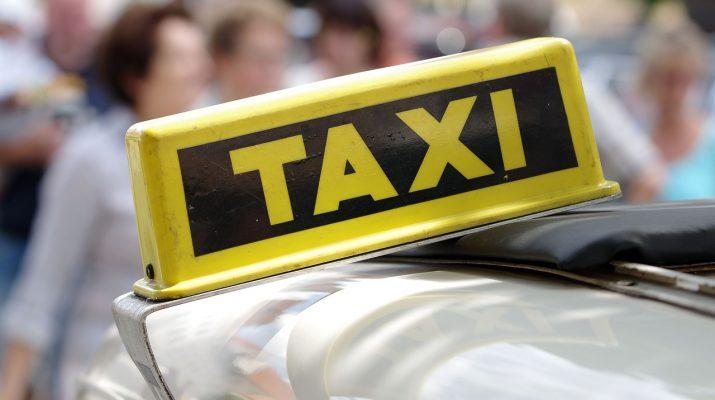Астраханец выдавал себя за сотрудника органов, чтобы обмануть таксистов