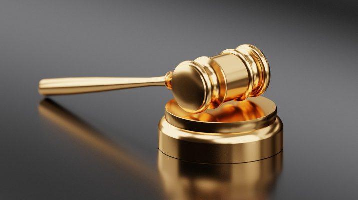 В Астрахани мошенник выдавал себя за юриста