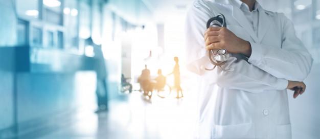 Работающие с COVID-19 врачи раньше других выйдут на пенсию