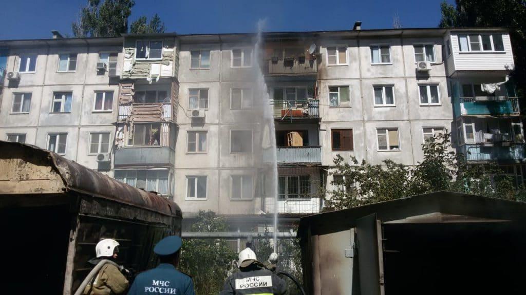 В Астрахани за сутки потушили 10 балконов
