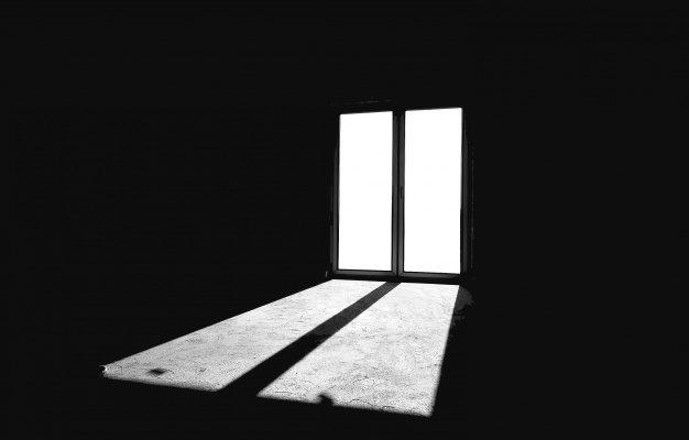 Следственным отделом по Советскому району г. Астрахани СУ СК России по Астраханской области проводится процессуальная проверка по факту гибели местного жителя в результате выпадения из окна. В ходе проверки установлено, что ранним утром 10 августа 2020 года из окна, расположенного на лестничной площадке 3 этажа дома по улице Кубанской в Советском районе г. Астрахани, выпал находящийся в состоянии алкогольного опьянения 52-летний местный житель. От полученных повреждений астраханец скончался на месте. В настоящее время устанавливаются все обстоятельства произошедшего. По результатам проверки будет принято процессуальное решение.