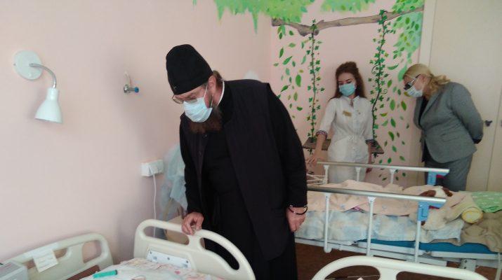 митрополит посетил больницу