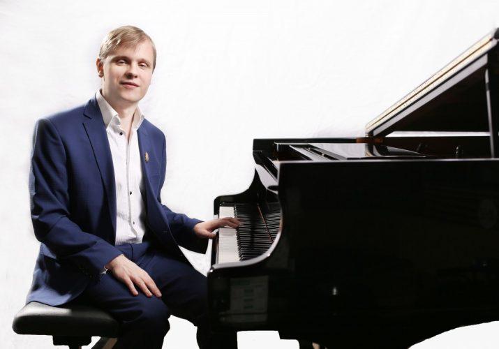 Астраханцы смогут увидеть джазовую звезду Олега Аккуратова