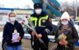 Астраханок за рулём останавливали «цветочные патрули»