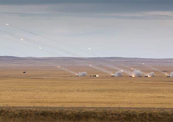 Военные учения в Астрахани стрельба