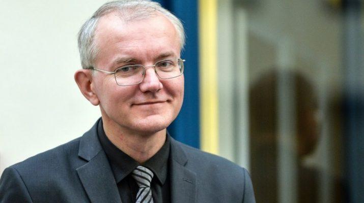 Зарплата Шеина 400 тысяч рублей