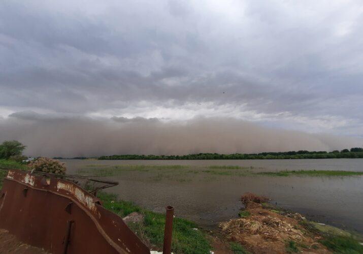 Сегодня астраханцам опять обещают пыльную бурю