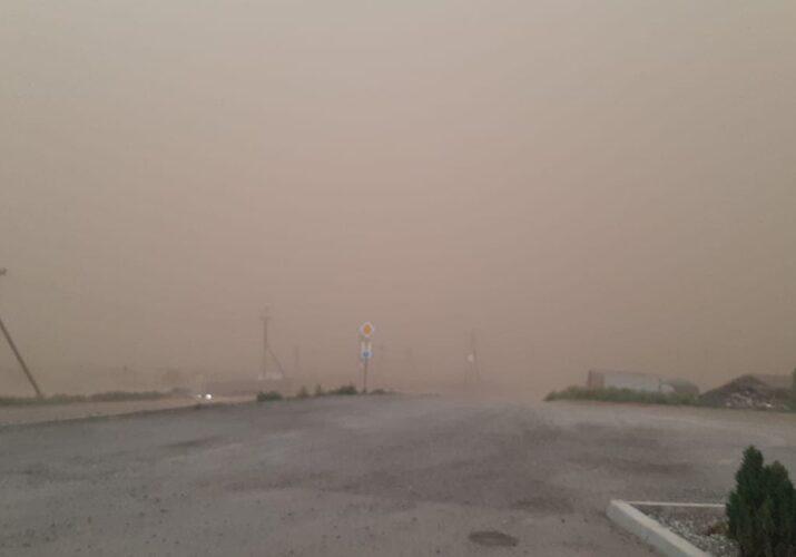 из-за пыльной бури сотни домов остались без света и газа
