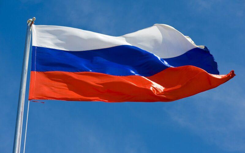 флаг россии в школах